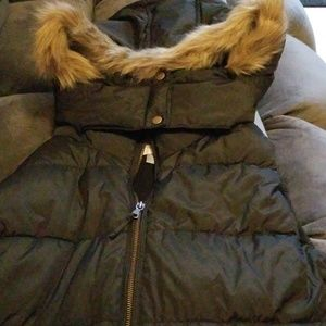 Old Navy Vest with detachable hood. New with tag!